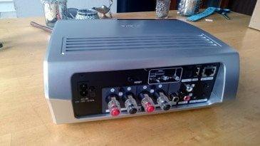 denon-heos-amp-achterkant